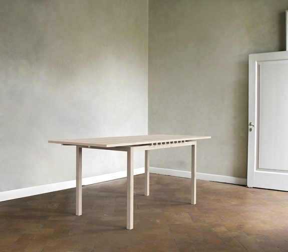Anker Dining Table