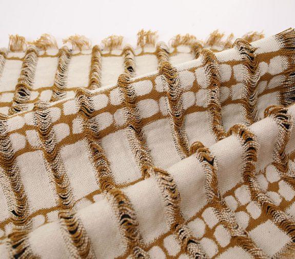 Sleeve: 100% Linen & Second-Hand 100% Cotton Denim