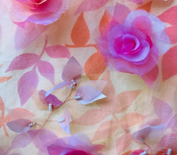 Petite Rosaraie - Embroidered scarf detail
